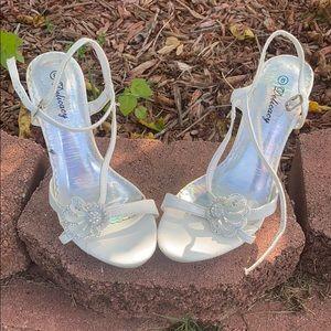 NWOT Delicacy White Open Toe Shoe